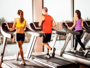 3 people on treadmills